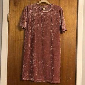 NWT Yelete Pink Crushed Velvet Dress Size Medium